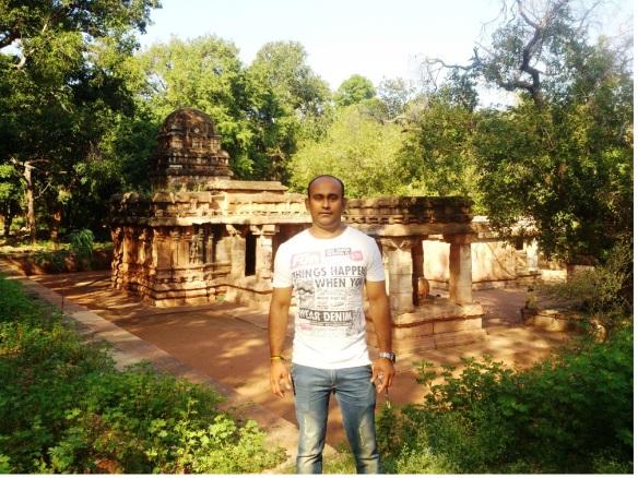mahakuta caves,karanataka